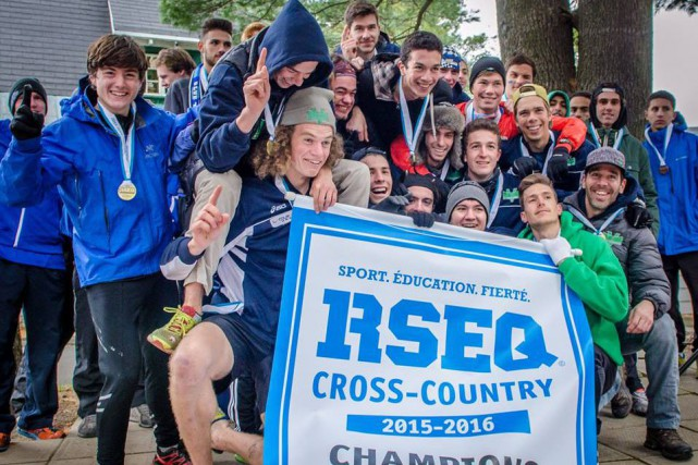 L'équipe masculine de cross-country desVolontairesdu Cégep de Sherbrooke... (Photo fournie)