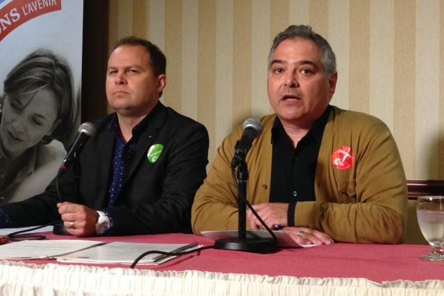 Sylvain Mallette, président de la FAE (à droite).... (PHOTO PATRICK SANFAÇON, LA PRESSE)