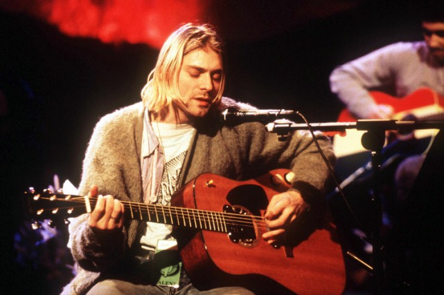 Kurt Cobain lors de l'enregistrement de l'album MTV... (ARCHIVES AP)