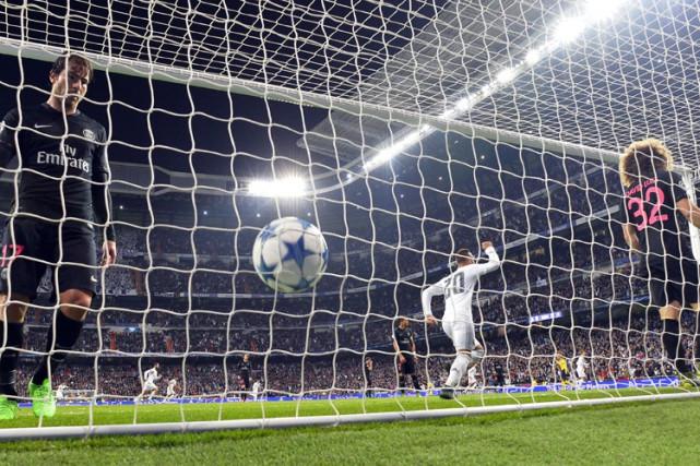 Nacho Fernandez a touché la cible d'un angle restreint deux minutes après avoir... (PHOTO AFP)