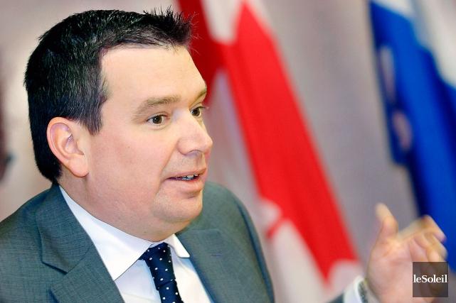 Christian Paradis quittera son siège de député de... (Photothèque Le Soleil, Jean-Marie Villeneuve)