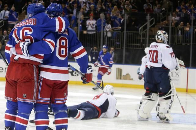 Kevin Hayes a brisé l'égalité en fin de première période et les Rangers de New... (PHOTO AP)