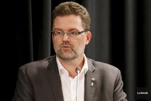 Le maire Pedneaud-Jobin accepte mal les accusations voulant... (Simon Séguin-Bertrand, Archives LeDroit)