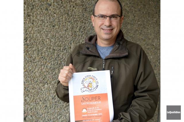 Stéphane Leblond espère que les 200 billets pour... (Photo Le Quotidien, Jeannot Lévesque)