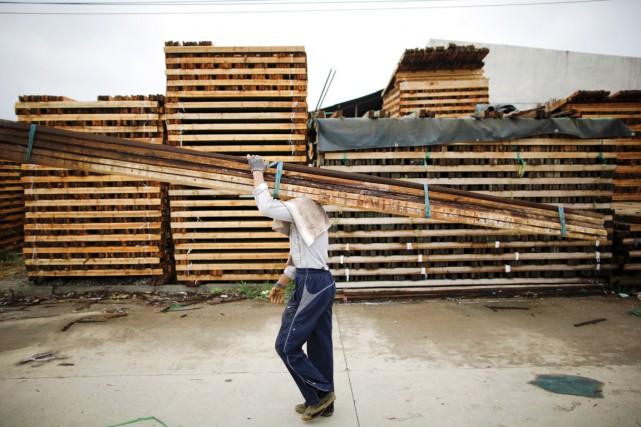 De vastes étendues forestières ont été sacrifiées au... (PHOTO QILAI SHEN, ARCHIVES BLOOMBERG)
