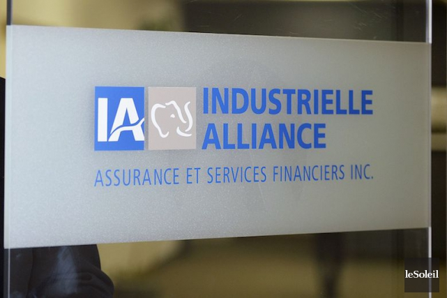 Les profits de l'Industrielle Alliance (T.IAG)  ont bondi de... (PHOTO JEAN MARIE VILLENEUVE, ARCHIVES LE SOLEIL)