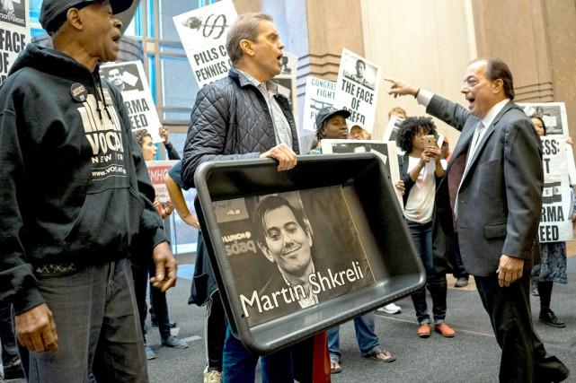Des activistes manifestaient contre la hausse des prix... (AP)