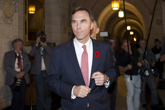 Le nouveau ministre des Finances Bill Morneau, peu... (PHOTO JUSTIN TANG, LA PRESSE CANADIENNE)