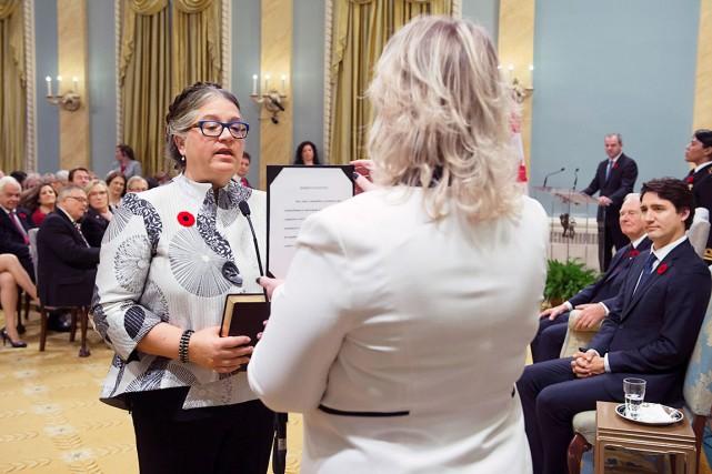 Diane Lebouthillier a prêté serment mercredi officialisant ainsi... (La Presse Canadienne, Sean Kilpatrick)
