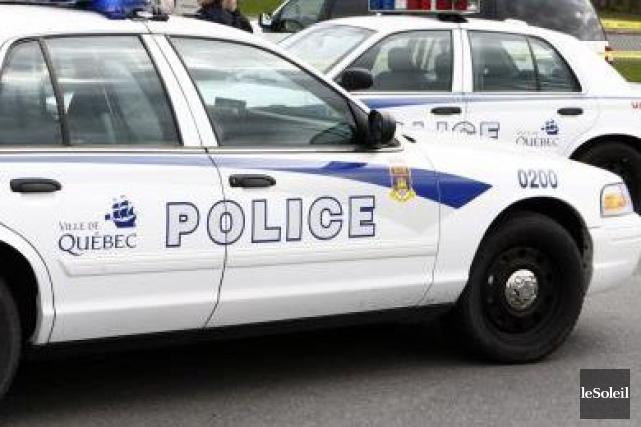 Trois suspects ont été coincés par les policiers près d'un centre de formation... (Photothèque Le Soleil)