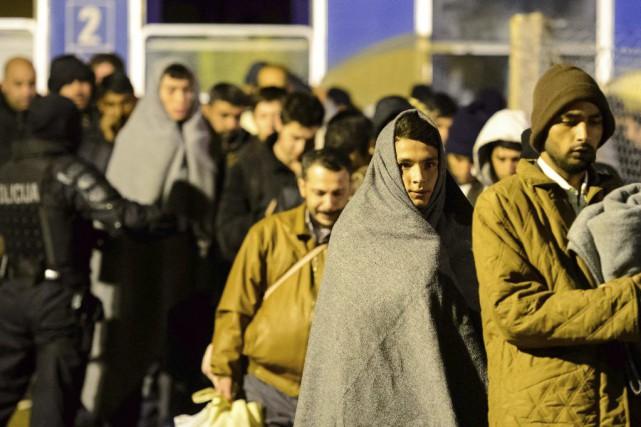 Plus de 752000 migrants et réfugiés sont arrivés... (PHOTO JURE MAKOVEC, AFP)