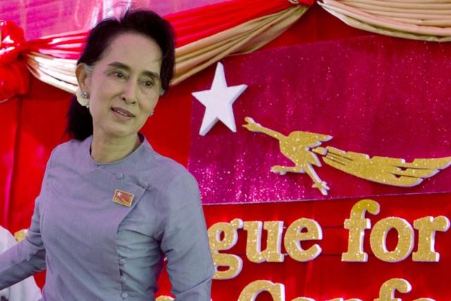 Aung San Suu Kyi a été critiquée ces... (PHOTO MARK BAKER, AP)