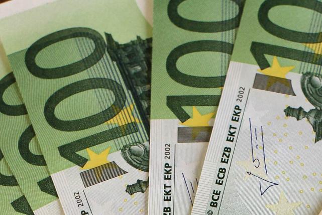 Une Autrichienne de 85 ans a méthodiquement déchiqueté pour près de un million... (Photo archives AFP)