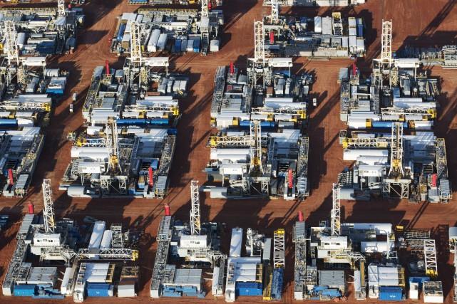 Le cours du baril de «light sweet crude»... (PHOTO ANDREW CULLEN, ARCHIVES REUTERS)