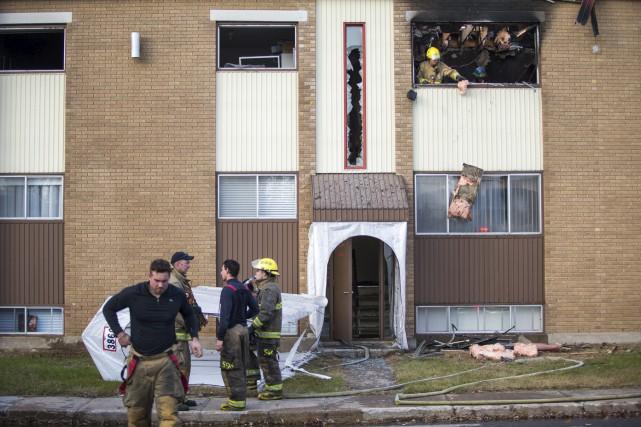 Les pompiers du service de sécurité incendie de...