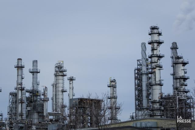 L'oléoduc approvisionnera les raffineries de Suncor à Montréal... (Archives La Presse)