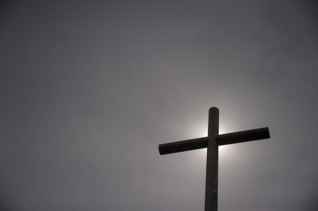 Il a subi environ «200 viols» commis par un prêtre qui a fait, selon lui, «plus... (PHOTO SÉBASTIEN BOZON, ARCHIVES AGENCE FRANCE-PRESSE)