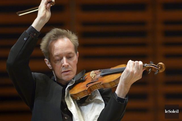 Le violoniste Anthony Marwood pénètre comme personne directement... (Le Soleil, Yan Doublet)