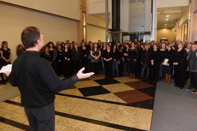 Plusieurs dizaines de membres du SFPQ ont manifesté... (François Gervais)