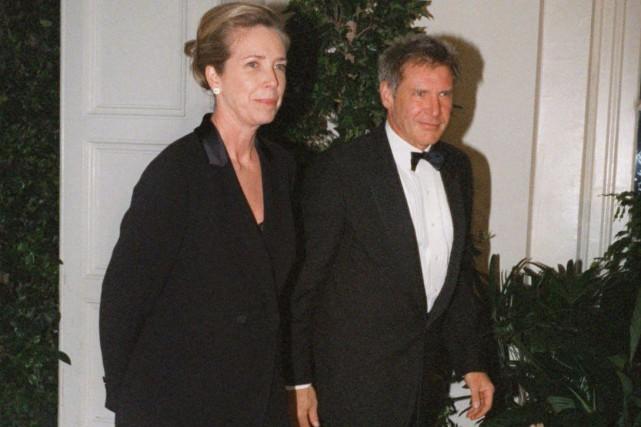Harrison Ford et Melissa Mathison en février 1998,... (Archives AP)