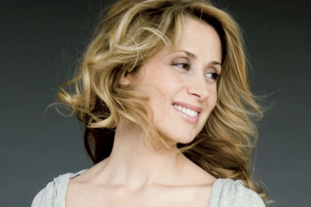 Lara Fabian... (Photo: fournie par Universal)