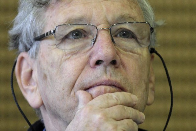 Amos Oz... (PHOTO ARCHIVES AFP)