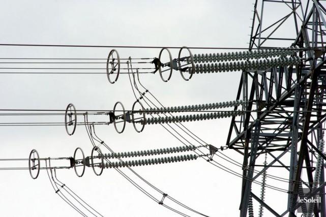 Plus de 5000 personnes étaient privées d'électricité au... (Photothèque Le Soleil)
