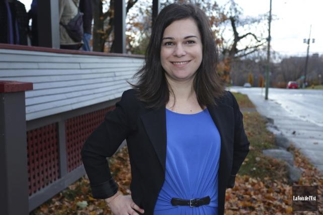 Julie Bourdon a officiellement lancé sa campagne, vendredi,... (Catherine Trudeau, La Voix de l'Est)