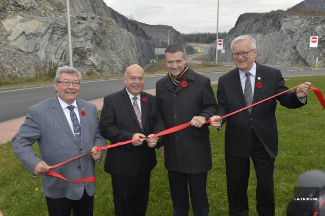 Le ministre des Transports, Robert Poëti, a inauguré... (Imacom, Maxime Picard)