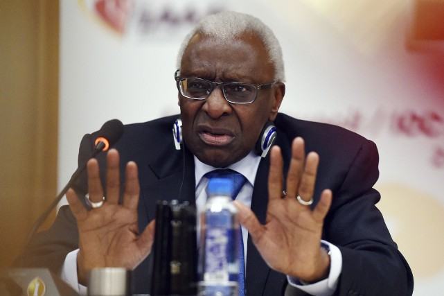L'ancien président de l'Association internationale des fédérations d'athlétisme, Lamine... (Photo Greg Baker, archives AFP)