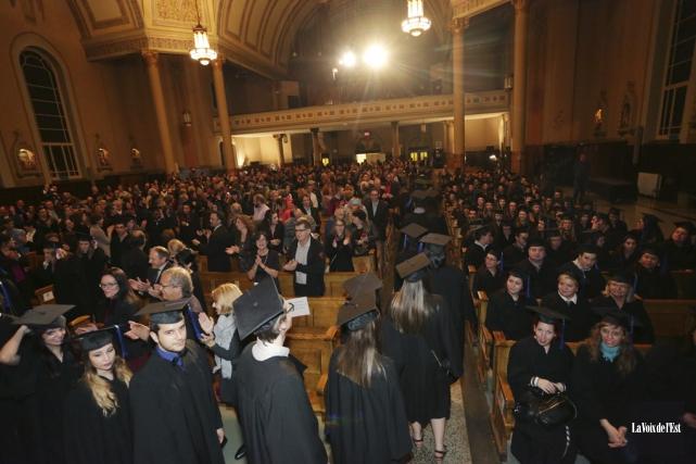 Environ 170nouveaux diplômés ont participé à la collation... (Catherine Trudeau, La Voix de l'Est)
