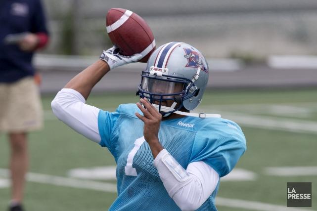 Brandon Bridge deviendra le premier quart canadien à... (Archives La Presse)