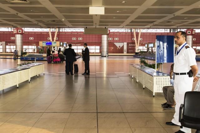 Hall d'arrivée des bagages de l'aéroport de Charm... (Photo Vinciane Jacquet, AP)
