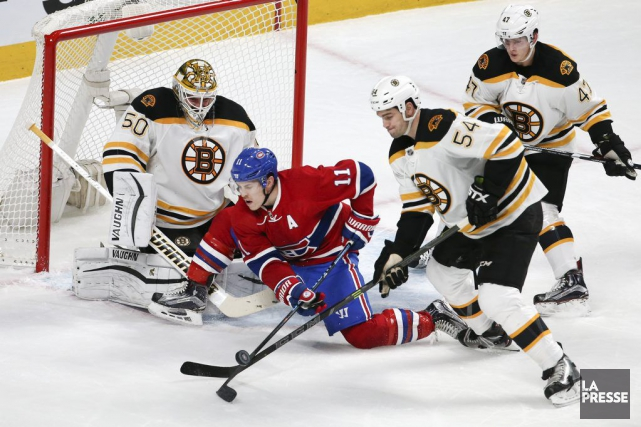 Brendan Gallagher bataille ferme avec Adam McQuaid devant... (PHOTO ROBERT SKINNER, LA PRESSE)