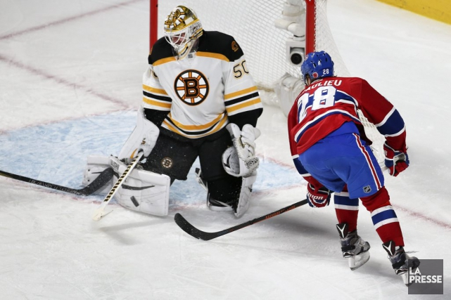 Jonas Gustavsson face à Nathan Beaulieu... (PHOTO ROBERT SKINNER, ARCHIVES LA PRESSE)
