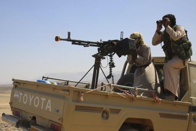 Les forces loyales au président Hadi montent la... (PHOTO ABDULLAH AL-QADRY, AFP)