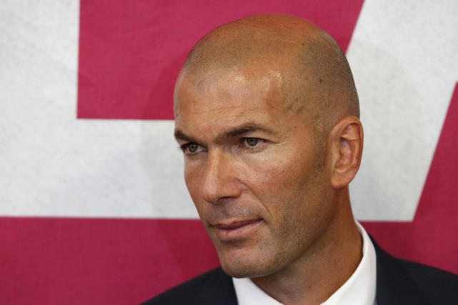 Zinedine Zidane... (Photo Charles Platiau, Reuters)