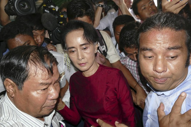 L'opposante Aung San Suu Kyi pourrait devenir la... (Associated Press)