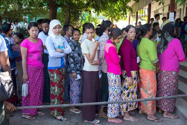Un nombre record de 80 % de la... (AP, Hkun Lat)