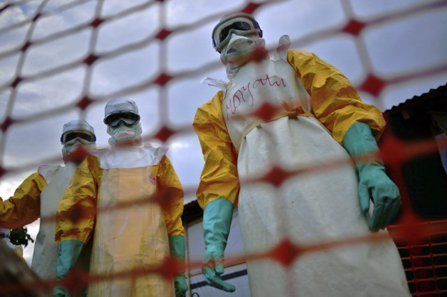 L'épidémie d'Ebola en Afrique de l'Ouest --la plus... (PHOTO CARL DE SOUZA, ARCHIVES AFP)