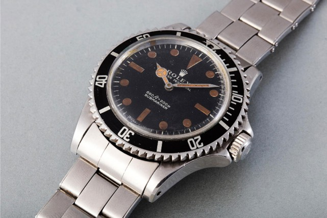 La montre Rolex Submariner portée par Roger Moore... (PHOTO AFP)
