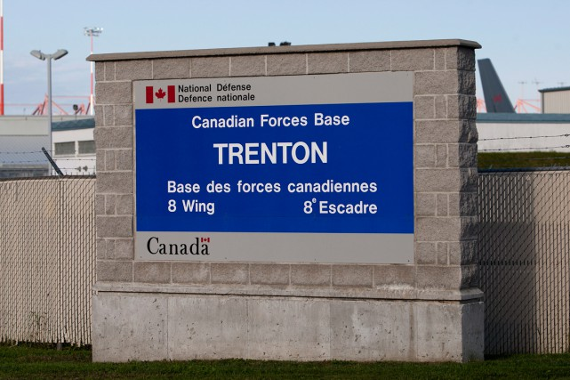 La base militaire de Trenton, en Ontario... (PHOTO LARS HAGBERG, ARCHIVES PC)