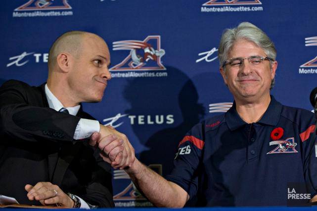 Le président des Alouettes, Mark Weightman, et ledirecteur... (Photo Olivier Jean, La Presse)