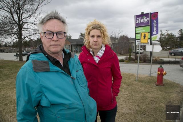 Jean Grégoire et sa fille, Mélanie Grégoire, déplorent... (Archives La Tribune)