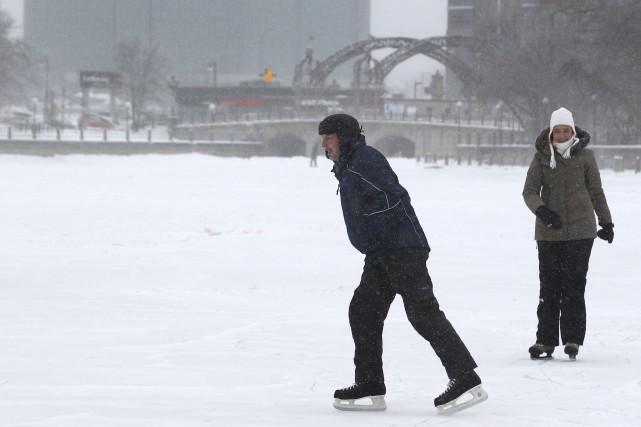 La patinoire grand public dans le centre-ville devait... (Patrick Woodbury, Archives LeDroit)