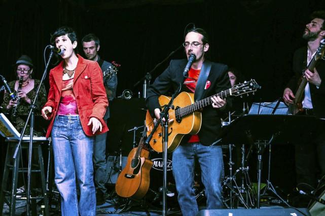 En spectacle, Kaval offre du reggae jazz dansant... (photo robert corbeil)