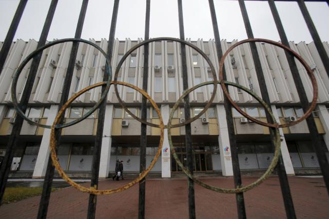 Le siège social du Comité olympique russe et... (Photo Maxim Shemetov, Reuters)