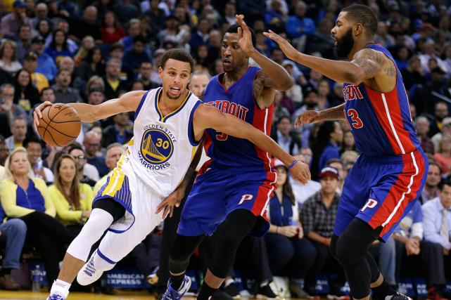 Stephen Curry (à gauche) a inscrit 22 points... (Photo Ben Margot, AP)