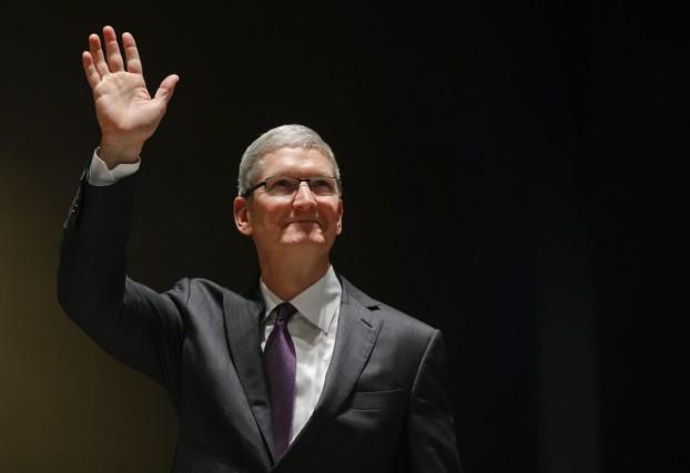 Tim Cook, patron d'Apple.... (Photo Luca Bruno, AP)