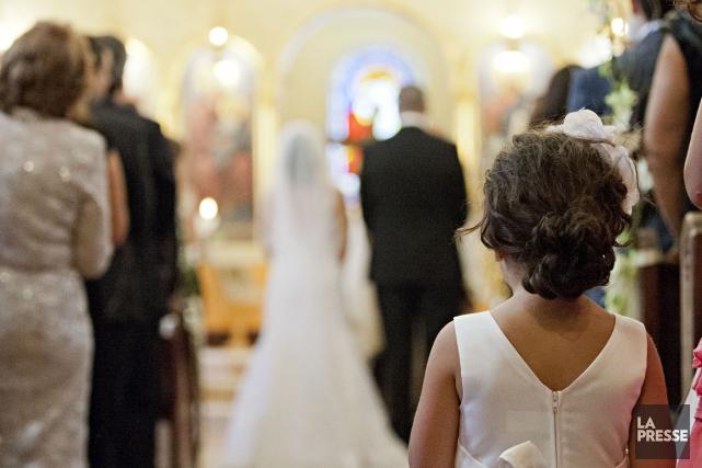 La majorité des femmes québécoises continuent de privilégier le mariage... (Archives La Presse)